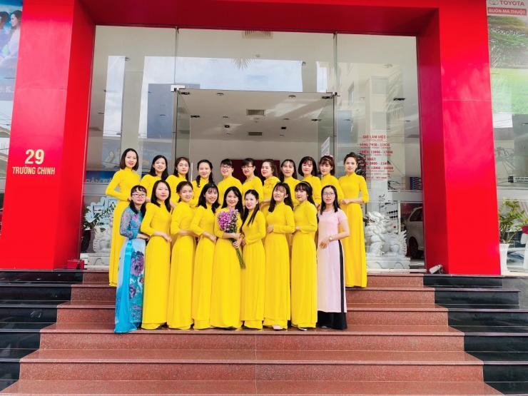 Toyota Buôn Ma Thuột chào mừng ngày Phụ nữ Việt Nam 20.10
